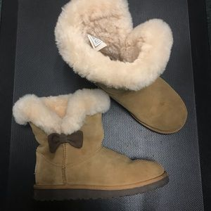 Authentic UGGs cozy ankle boot